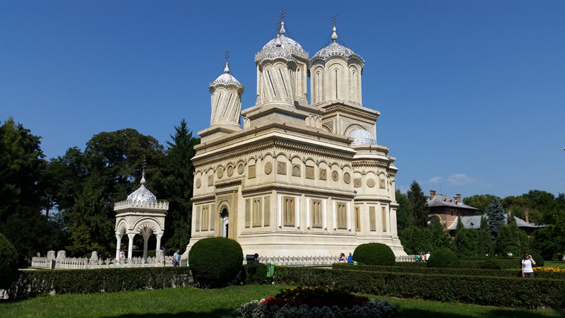 http://tudorstanica.ro/wp-content/uploads/2015/08/Curtea de Arges - Curtea Domneasca