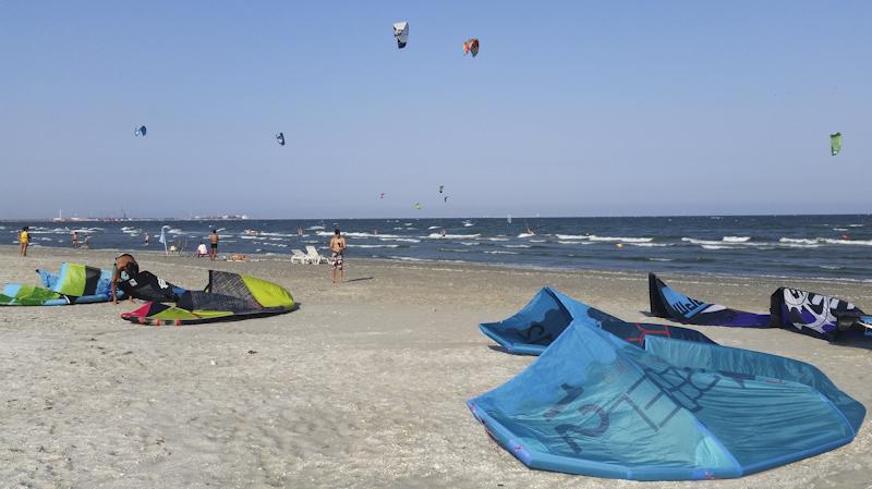 kitesurfing mamaia