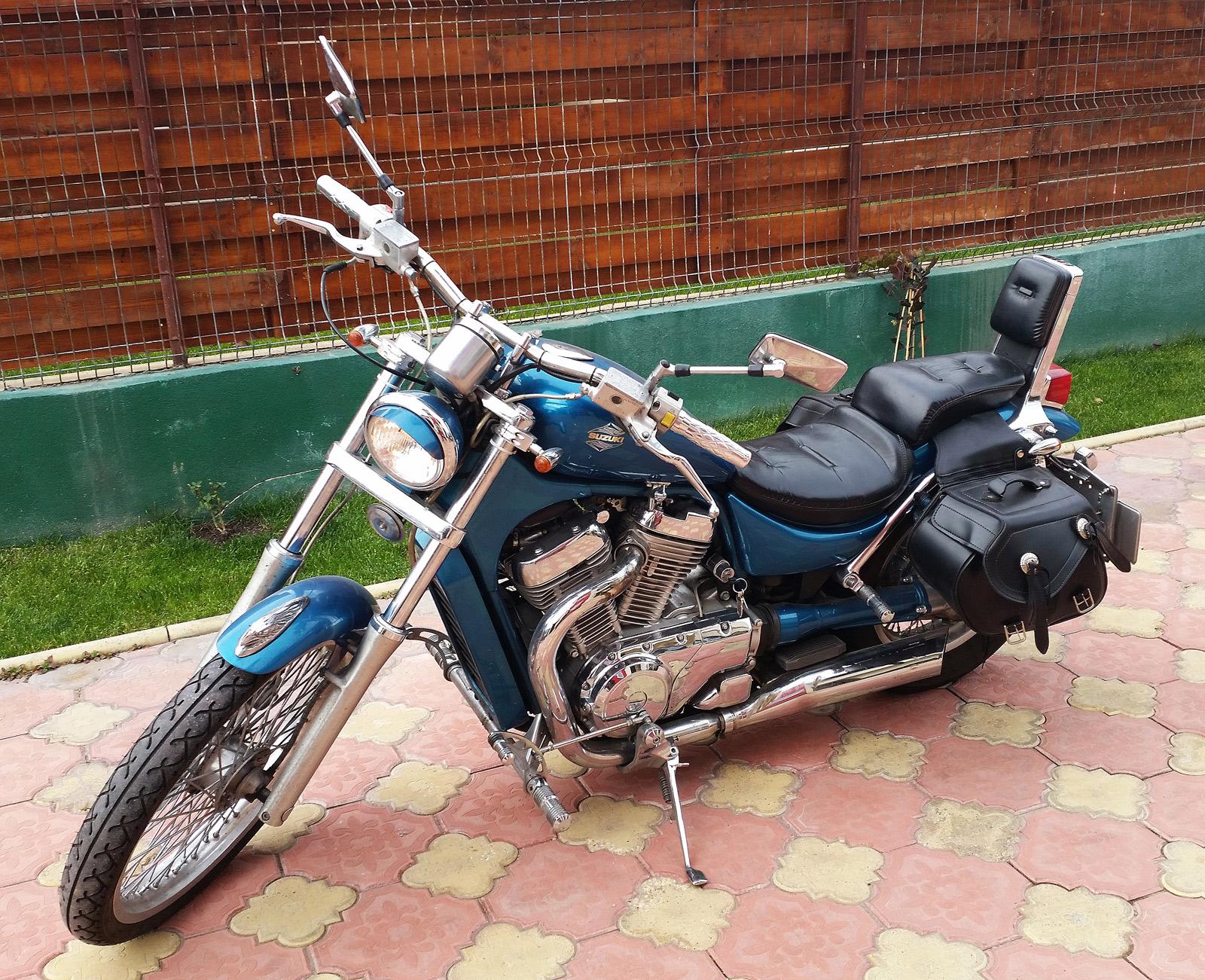 Suzuki-Intruder-600-cc---03